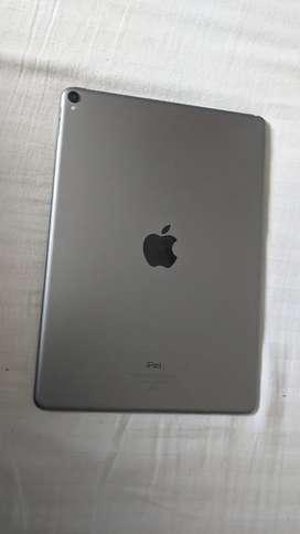 Ipad Pro 10.5, (wifi) 256 GB with Apple Pencil