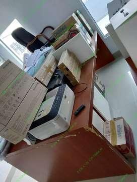 Meja Kantor Bekas
