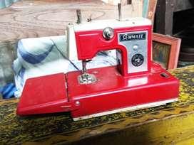 Sewing Machine vintage collictible