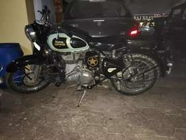 Classic 350 cc , milage 30 above , in good condition