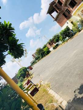 PLOT FOR SALE IN MADHUBAN ESTATE