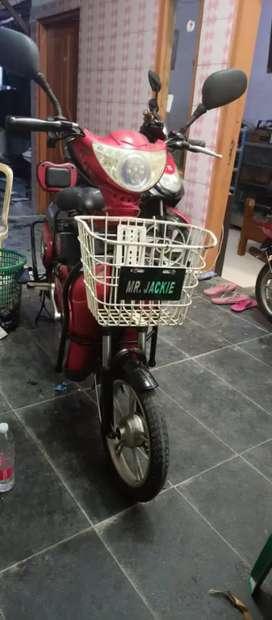 Di jual sepeda listrik second
