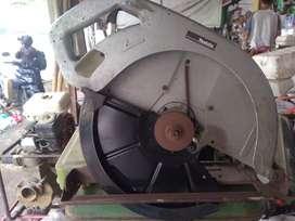 mesin potong kayu cyrcle makita 5402