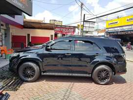 Toyota fortuner 2010 diesel matic up 2015 trd