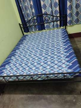 queen szie bed with matress for sale at lowest price.
