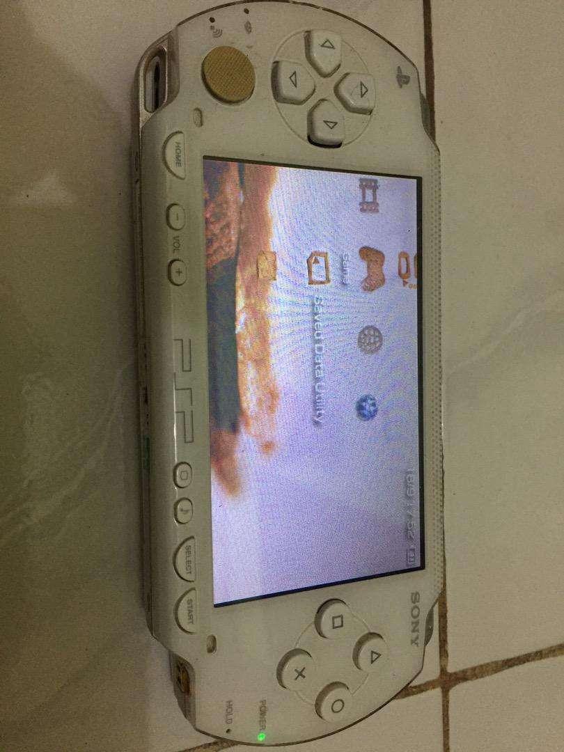 PSP SERI 1000 warna putih original 0