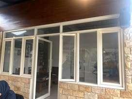 Dikontrakkan disewakan bangunan rumah untuk kantor 20x4 m
