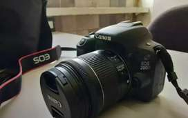 Canon camera 200d two lines with all accessories