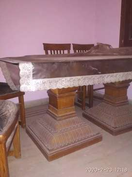 6 seater dining table and wall mirror