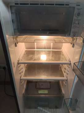 A well maintained and working Samsung Refrigerator 5 Star
