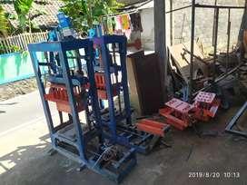 Mesin press batako dan paving unit ready