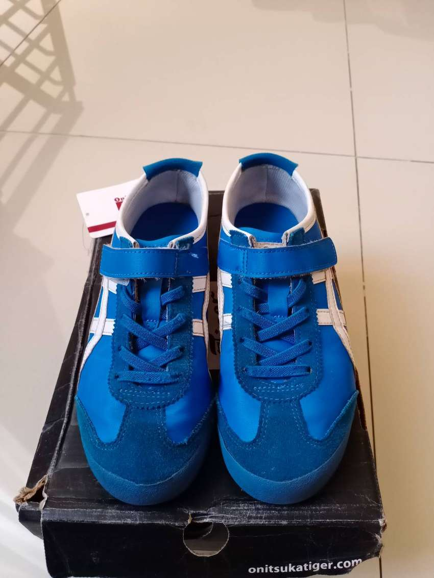 Onitsuka tiger pre loved for kids size 35  in sole 22 cm 0