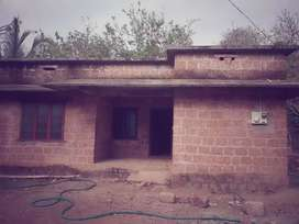 5.75 cent land with house near chooral town(oyolum road)