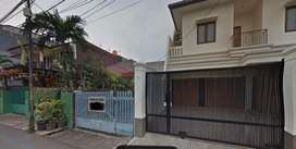 Rumah ngantong Rasamala menteng dalam