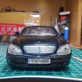 Mercedes Benz skala 1:24