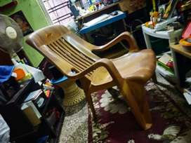 EASY CHAIR, RECLINER MOULDED CHAIR BRAND NEW, UN USED