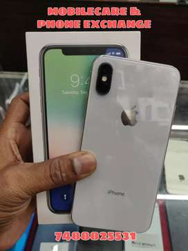 iPhone X 64 GB (4 months used)