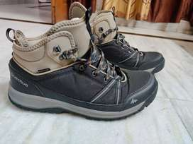 DECATHLON QUECHUA HIKING SHOES