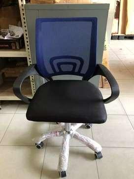 Kursi Kerja Kantor / Kursi Jaring Beroda Fiesta DT118 (Warna Biru)