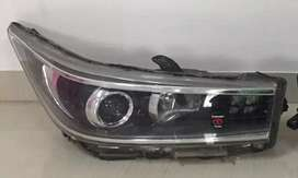 Innova crysta original head light