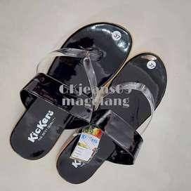 Sendal jepit Kickers