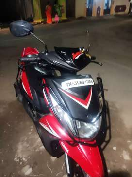 YAMAHA SYGNUS RAYZ  good condition 65year old man used scooter