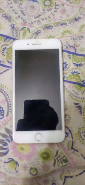 I phone 7+ gold 32gb