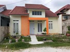 Rumah ditengah kota Tipe 81/162 Jalan Rambutan dekat PTPN V & Bandara