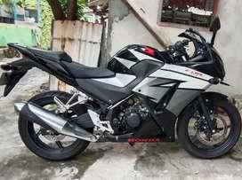 Dijual Honda CBR 150 Hitam