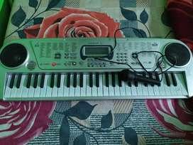 Keyboard Harmonium