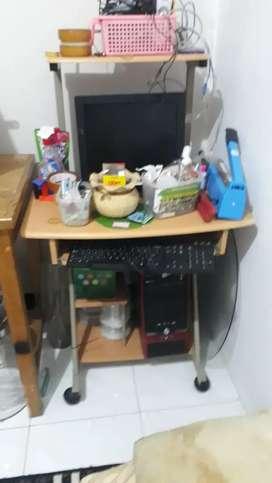 komputer satu set monitor advan