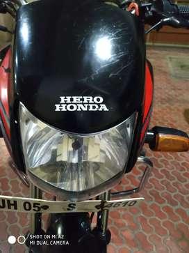 Single hand maintained daily running Hero Honda CD Deluxe