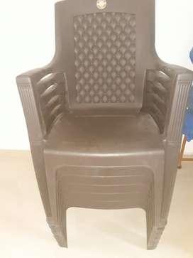 New Plastic chair at fix price 500rs per pcs