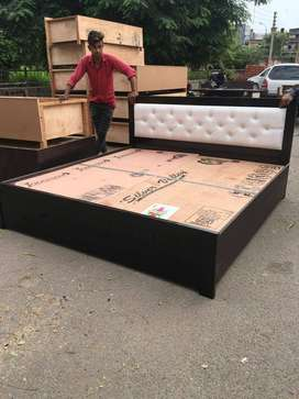 Brand new king size double bed with box