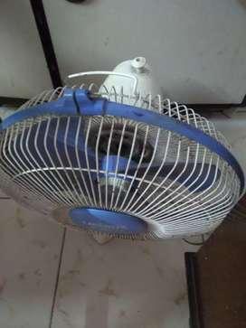 Electric Fan for sale at Shivaji park