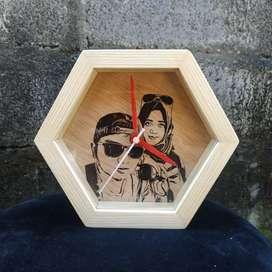 Kado ultah nikah unik jam kayu hiasan dekorasi