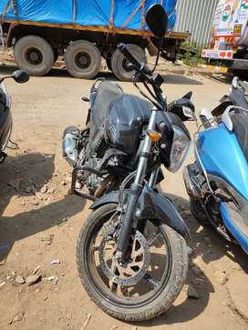 Yamah Fz-16 in good excellent condition for sale