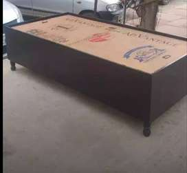 Brand new single diwan bed with box
