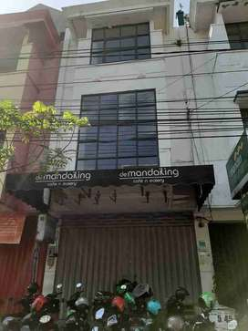 CROWN-Sewa Murah Ruko Raya Klampis Siap Huni Surabaya Timur
