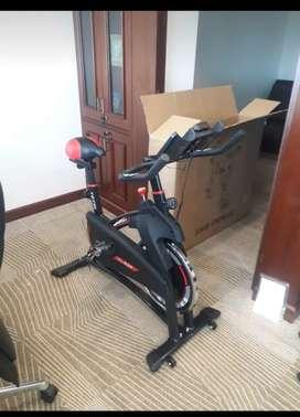 Sepeda statis  Tl 930 Spinning bike