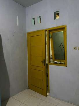 Kos kamar mandi dalam dekat pergudangan margomulyo balai diklat