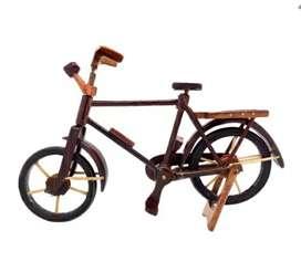Miniatur kayu jenis sepeda