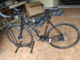 Dijual sepeda Road Bike Helios C6 Disc karbon carbon 11speed full 105