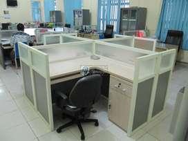 Furniture Kantor - Meja Sekat Partisi