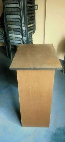 Computer tables for institutions