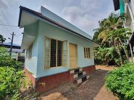 Independent 2 bedroom hall kitchen one common bathroom house at Maradu