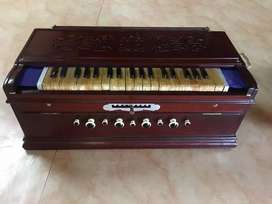 German reeds 9 scale changer harmonium