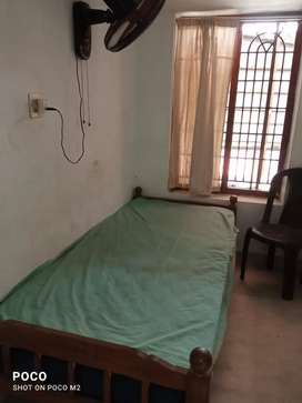 Hostel facility available for gents working mens