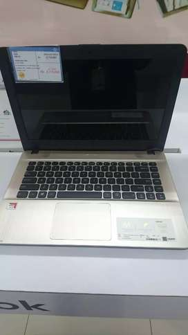 Asus Amd A9 4GB/1T