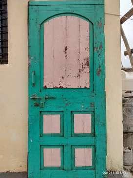 सागवानी दरवाजा वापरलेला 5.5 उंची,3 फुट रुंदी.